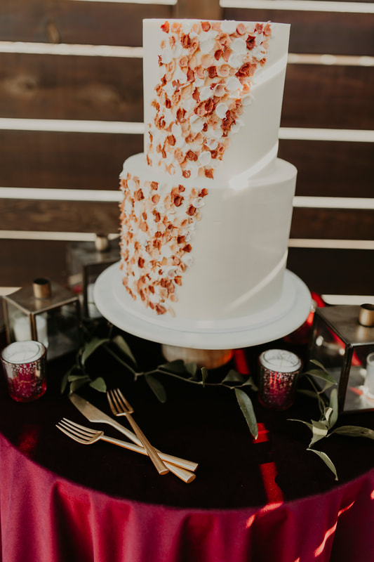 Wedding cakes by Blue Thistle.  Kansas City Wedding Cake Designer.  Summit Hickory Pit BBQ loves her delicious cakes.