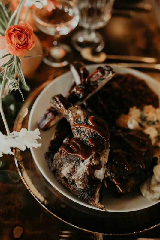 Summit Hickory Pit BBQ is Kansas City's best BBQ caterer. Wedding catering is one of the most important parts of your wedding.  Feeding your guest delicious smoked bbq ribs, chicken, baked beans, cole slaw and cheesy potatoes is a delight.  Call Summit Hickory Pit BBQ to cater your next event.